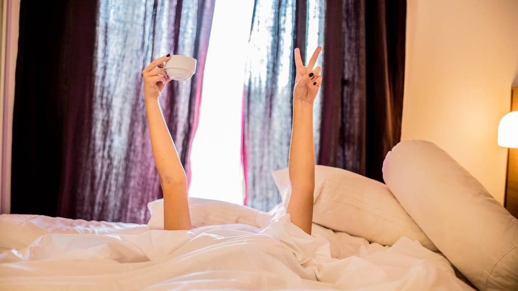 Hotel-Tuscania-Panoramico-Tuscania-Viterbo-habitación-cama-mantas-3-C14I3126