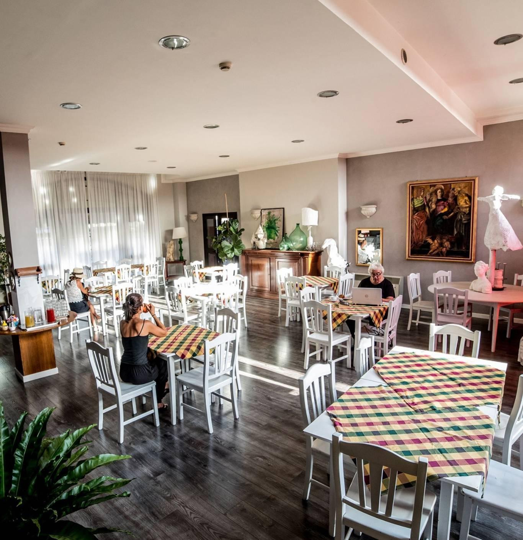 Hotel-Tuscania-Panoramico-Tuscania-Viterbo-Clean-and-safe-sala-de-pequenos-quadrada-1