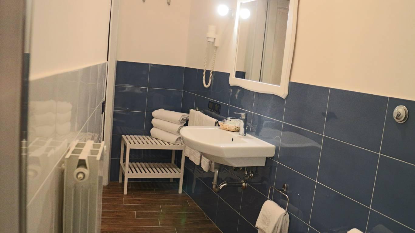 Hotel-Tuscania-Panoramico-Tuscania-Viterbo-baño-13-4497