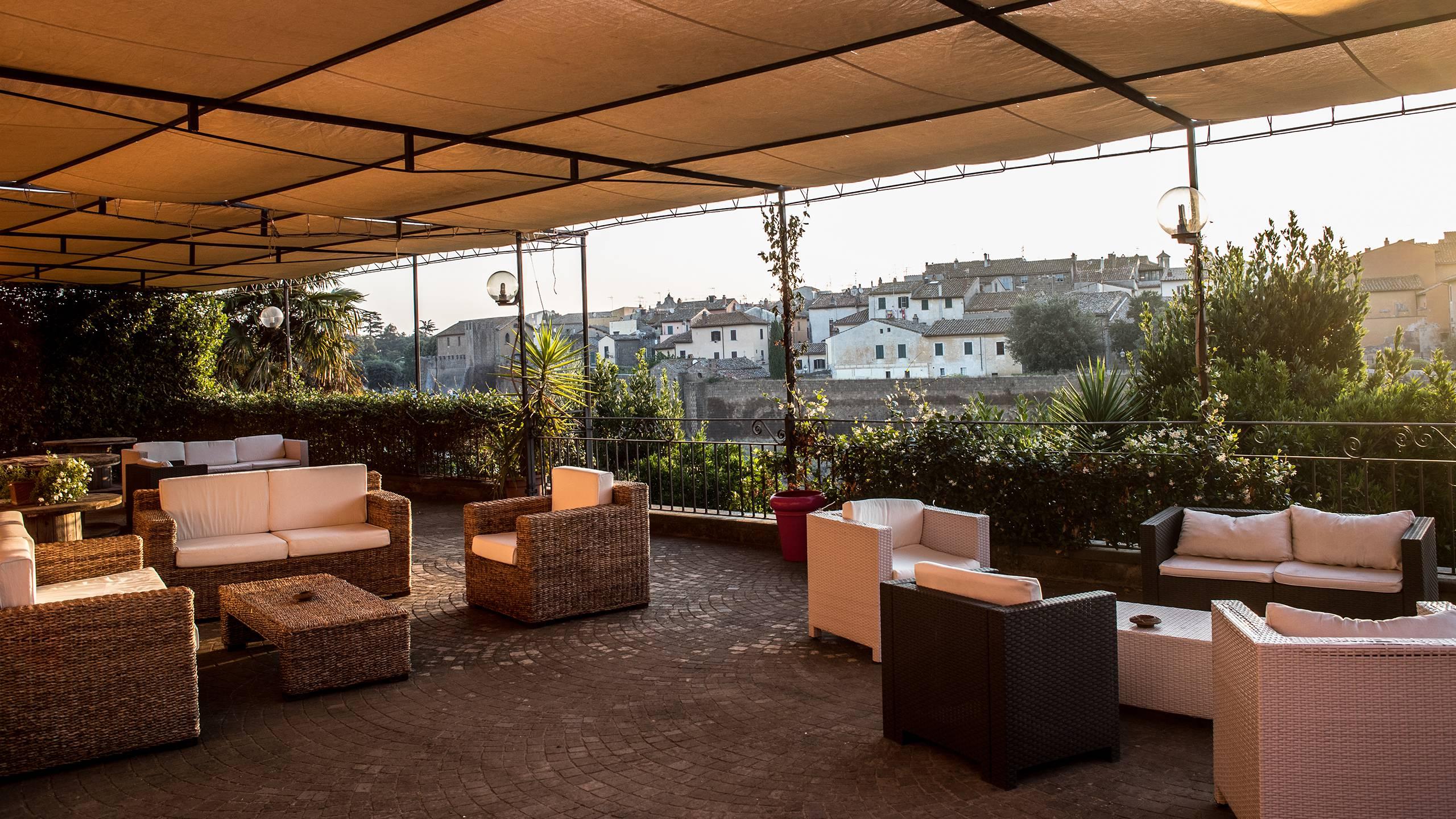 Hotel-Tuscania-Panoramico-Tuscania-Viterbo-terrace-2-C14I0716