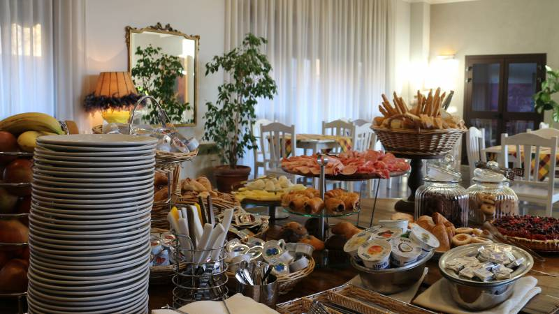Hotel-Tuscania-Panoramico-Tuscania-Viterbo-petit-déjeuner-buffet-12-4557